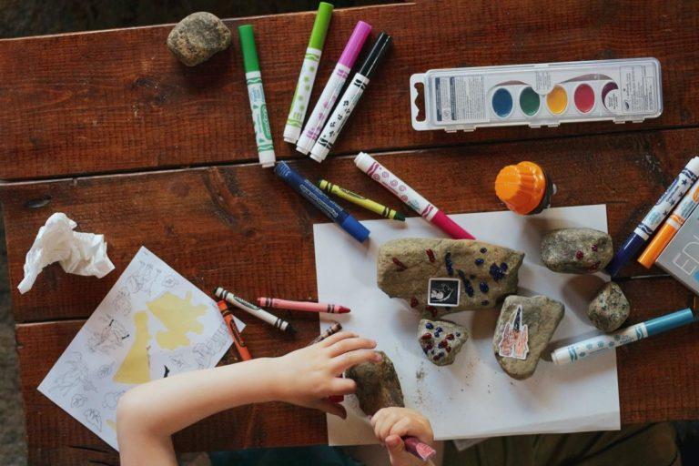 Zabawki edukacyjne dla dzieci w różnym wieku